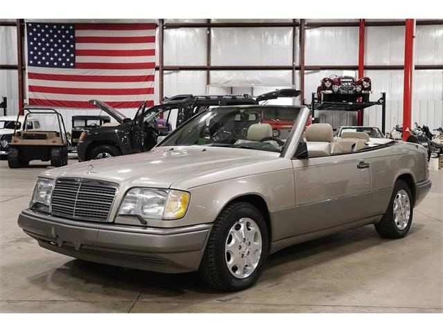 Picture of 1995 Mercedes-Benz E320 located in Kentwood Michigan - OVPA