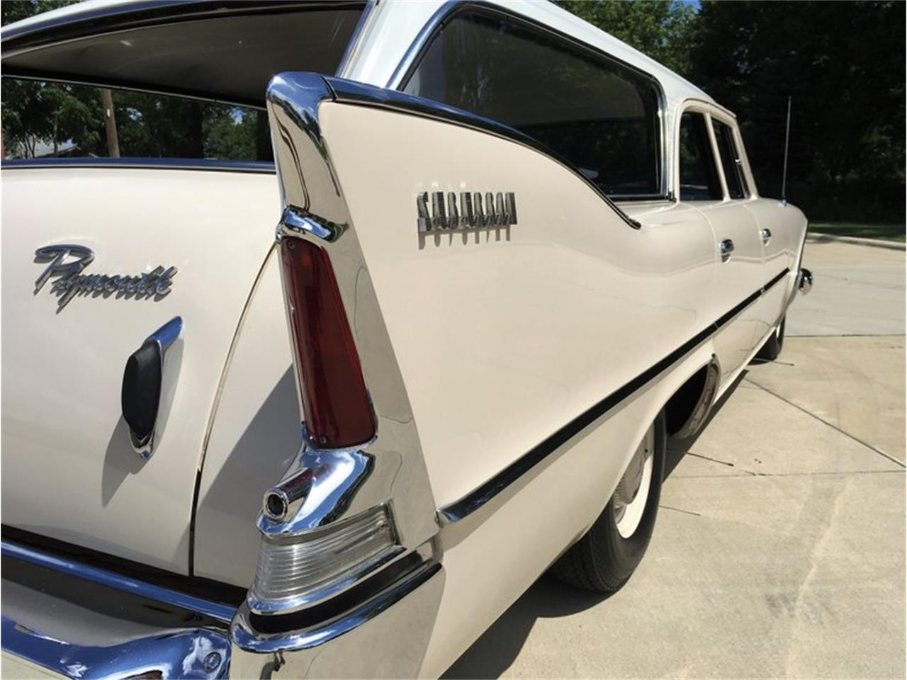 Large Picture of 1960 Plymouth Suburban - P1IS