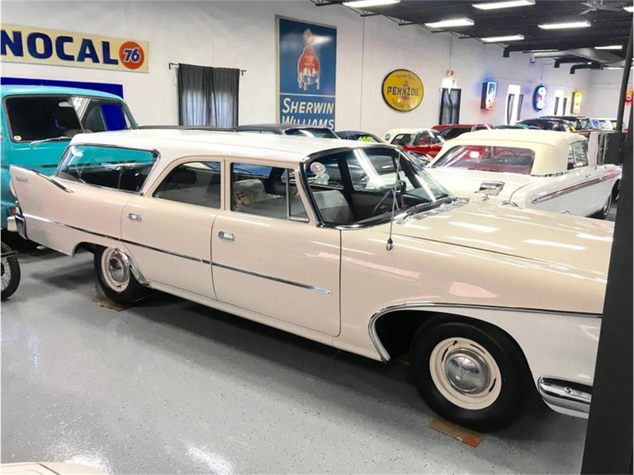 Large Picture of Classic '60 Plymouth Suburban - P1IS