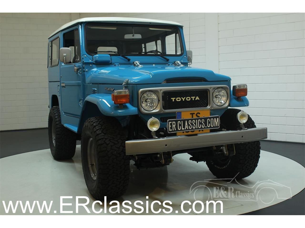 Large Picture of '82 FJ Cruiser - P1NV