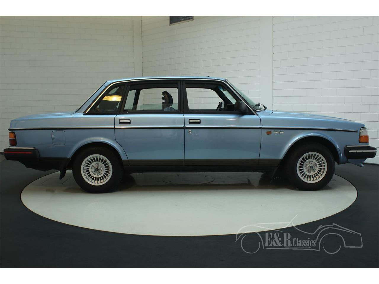 Large Picture of '88 240 - P1O4