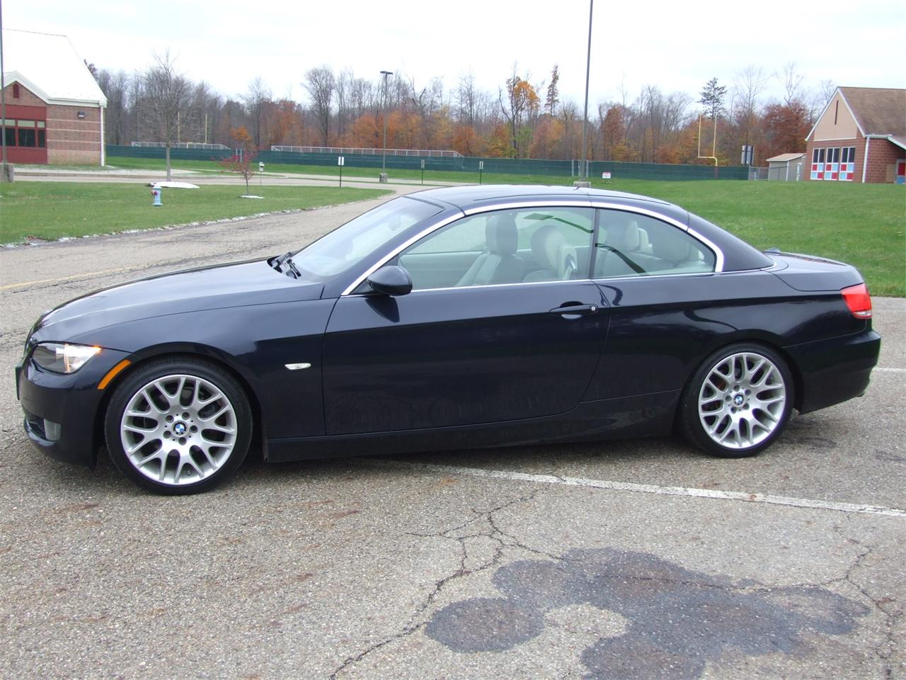 Large Picture of '08 BMW 328i located in Ohio Offered by Auto Connection, Inc. - P1OU