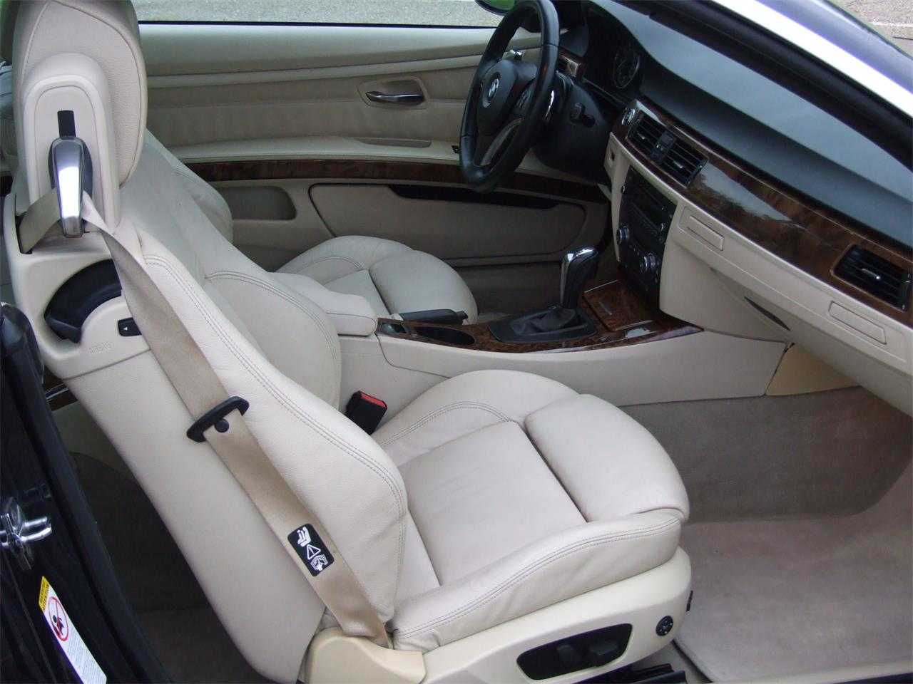 Large Picture of '08 BMW 328i located in Canton Ohio - P1OU