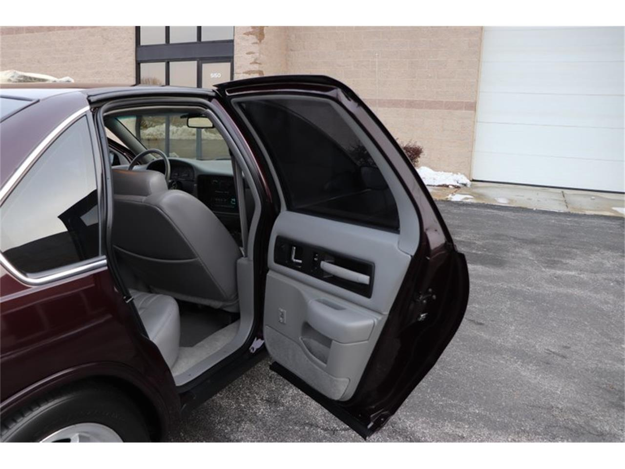 Large Picture of 1996 Chevrolet Impala - P1PX