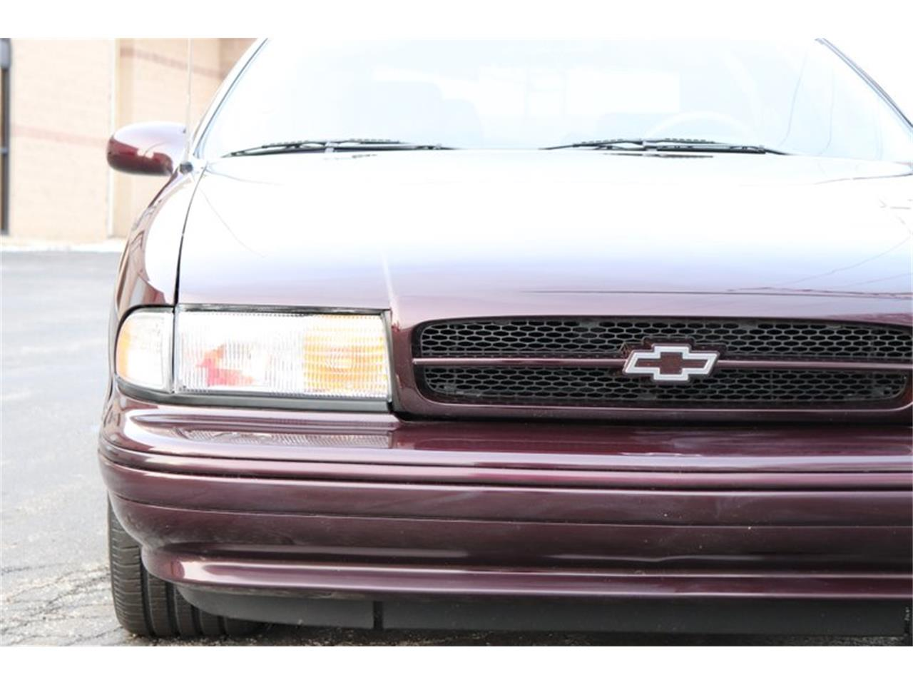 Large Picture of '96 Chevrolet Impala located in Alsip Illinois - $28,900.00 - P1PX