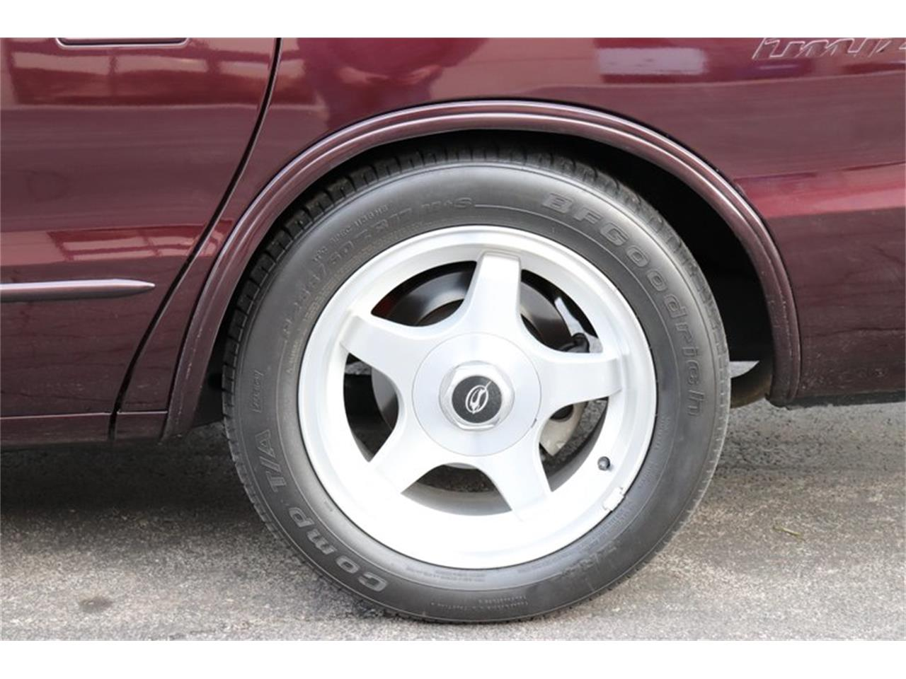 Large Picture of 1996 Impala - $28,900.00 Offered by Midwest Car Exchange - P1PX