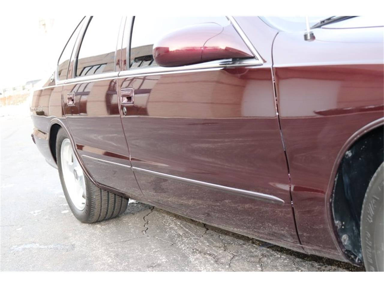 Large Picture of 1996 Chevrolet Impala - $28,900.00 Offered by Midwest Car Exchange - P1PX
