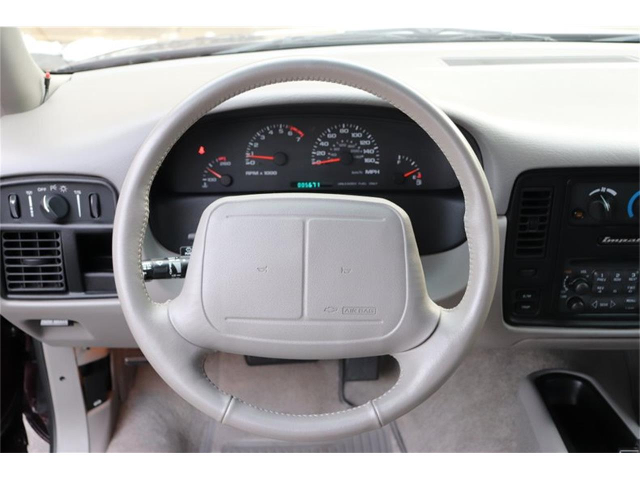 Large Picture of '96 Chevrolet Impala Offered by Midwest Car Exchange - P1PX