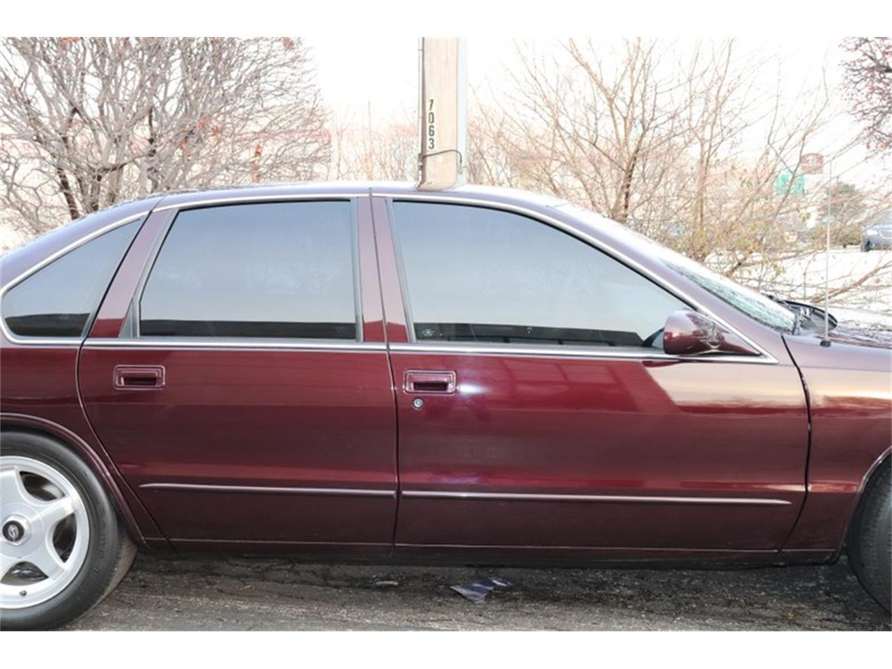 Large Picture of '96 Chevrolet Impala located in Illinois - $28,900.00 - P1PX