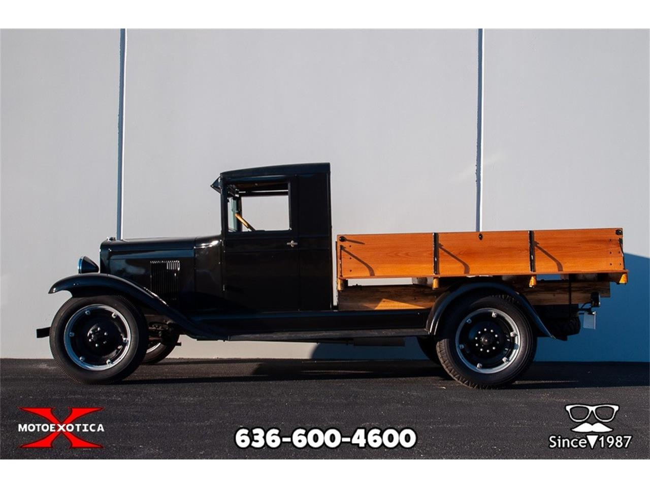 Large Picture of Classic 1930 Series LR 1 1/2-Ton Flatbed - P1TW