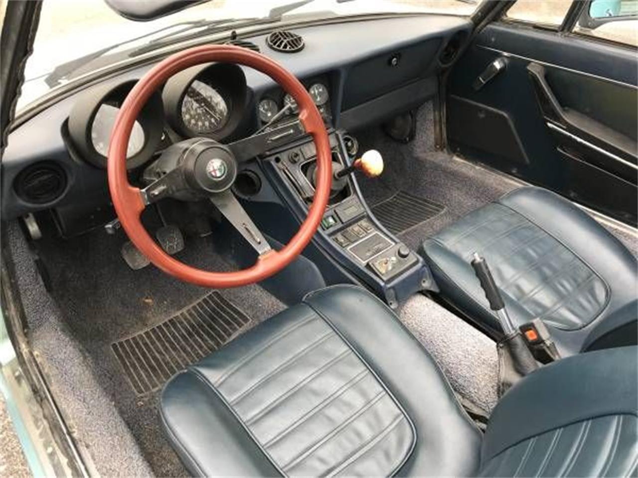 Large Picture of '83 2000 Spider Veloce located in Cadillac Michigan - P1Z5