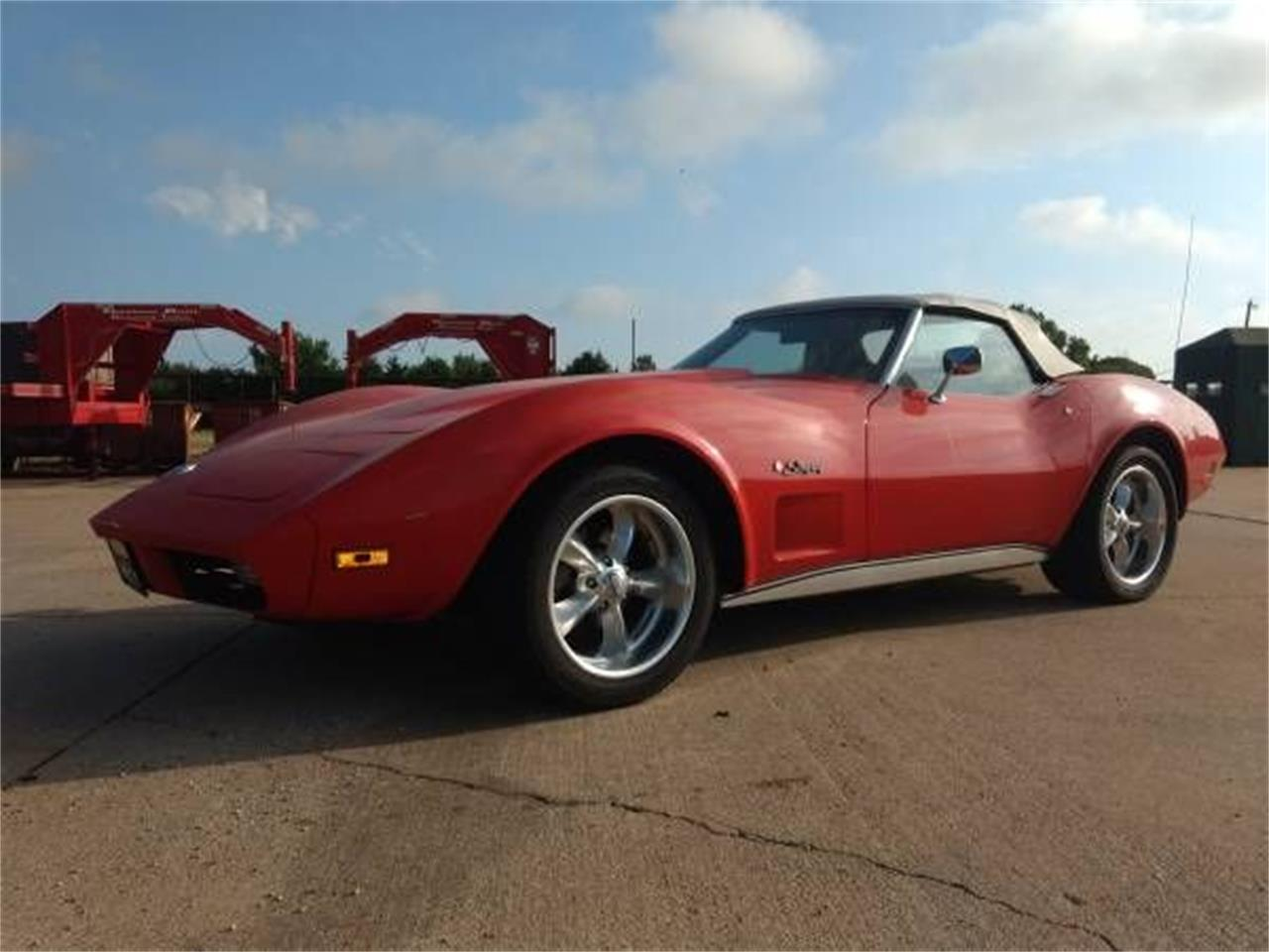 Large Picture of '74 Corvette - OVRB