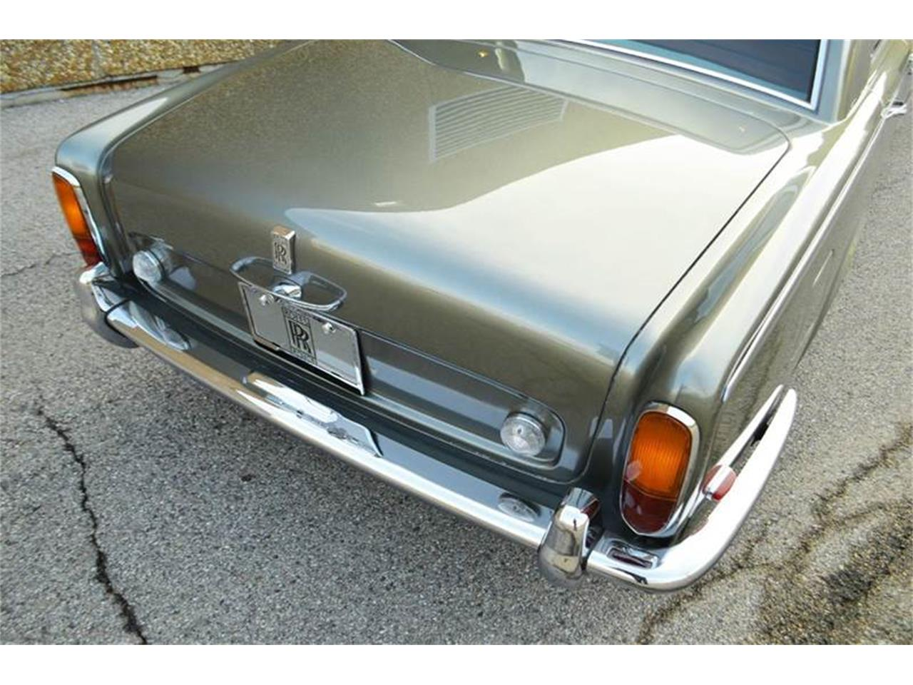 Large Picture of '69 Silver Shadow - P290