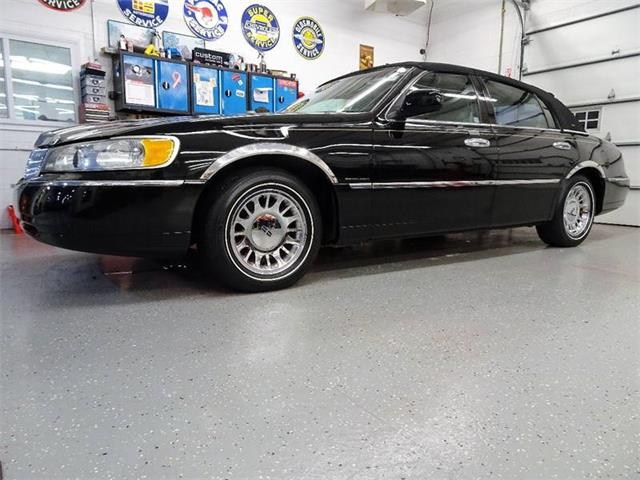 Picture of 1999 Lincoln Town Car located in New York - $5,995.00 Offered by  - P2KO