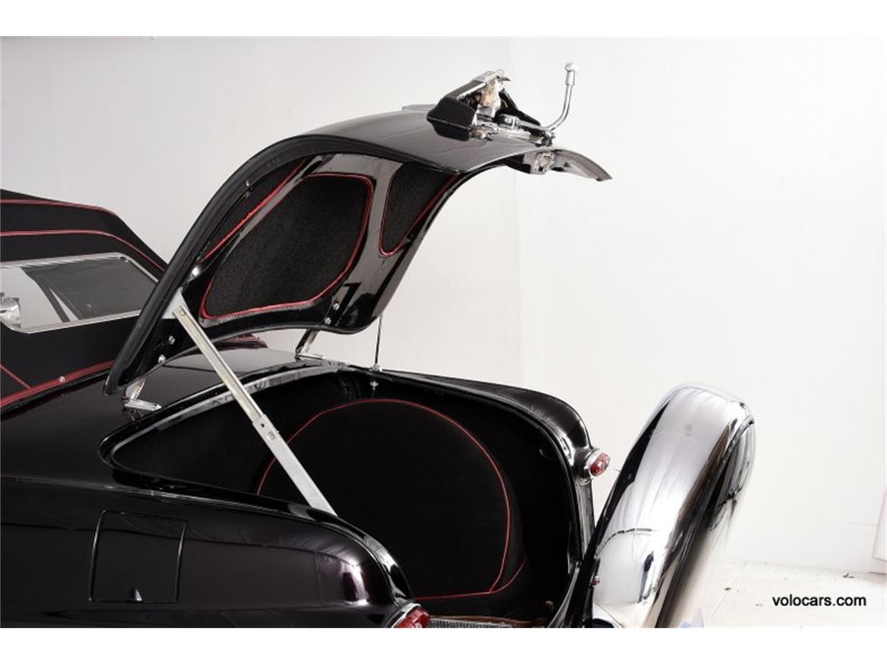 Large Picture of 1950 Custom located in Illinois Offered by Volo Auto Museum - P3SQ