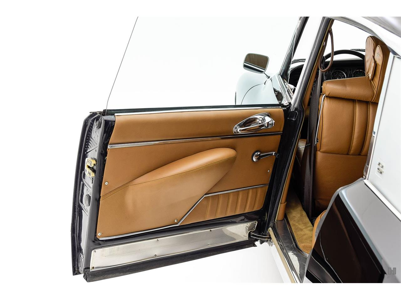 Large Picture of Classic 1972 Citroen DS21 Pallas Offered by Hyman Ltd. Classic Cars - P3WY