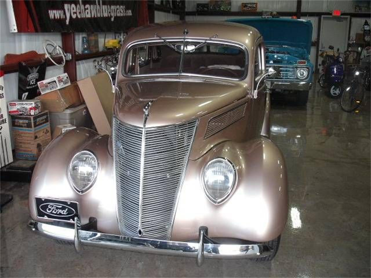 Large Picture of Classic '37 Deluxe - $41,495.00 - P47A