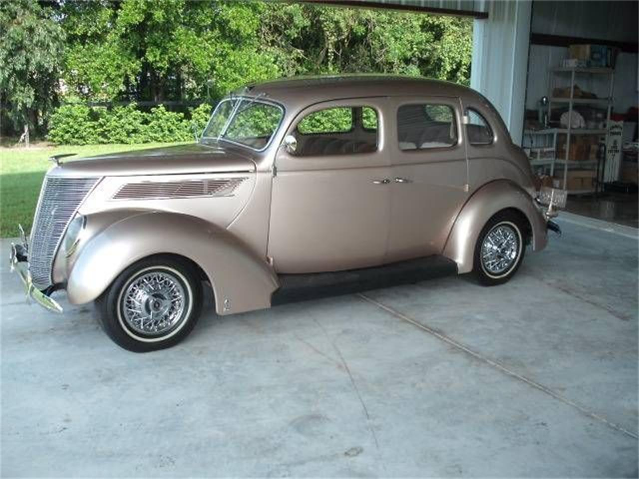 Large Picture of '37 Ford Deluxe located in Cadillac Michigan - $41,495.00 Offered by Classic Car Deals - P47A