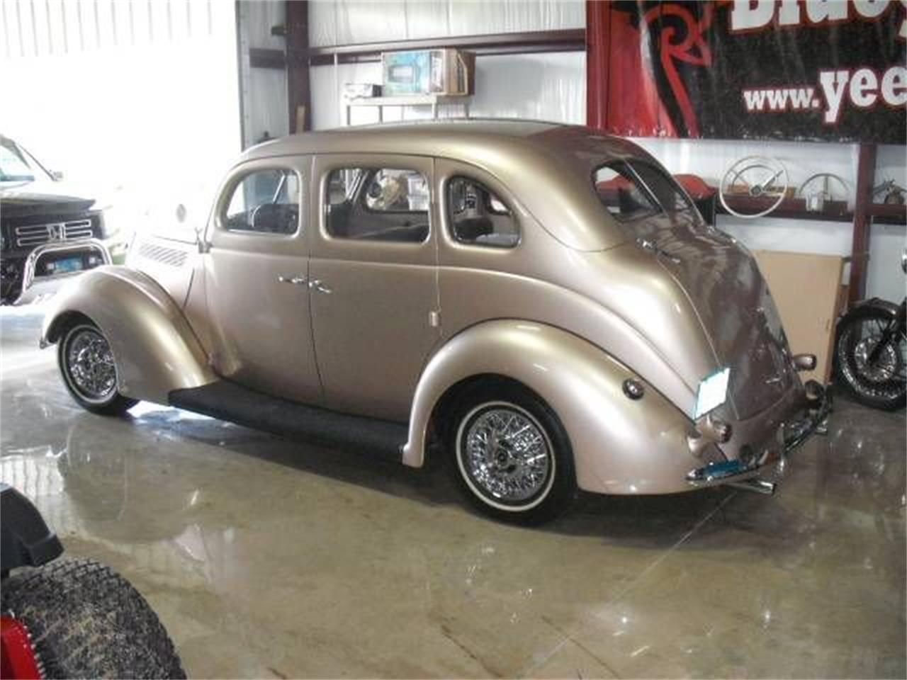 Large Picture of Classic '37 Ford Deluxe Offered by Classic Car Deals - P47A