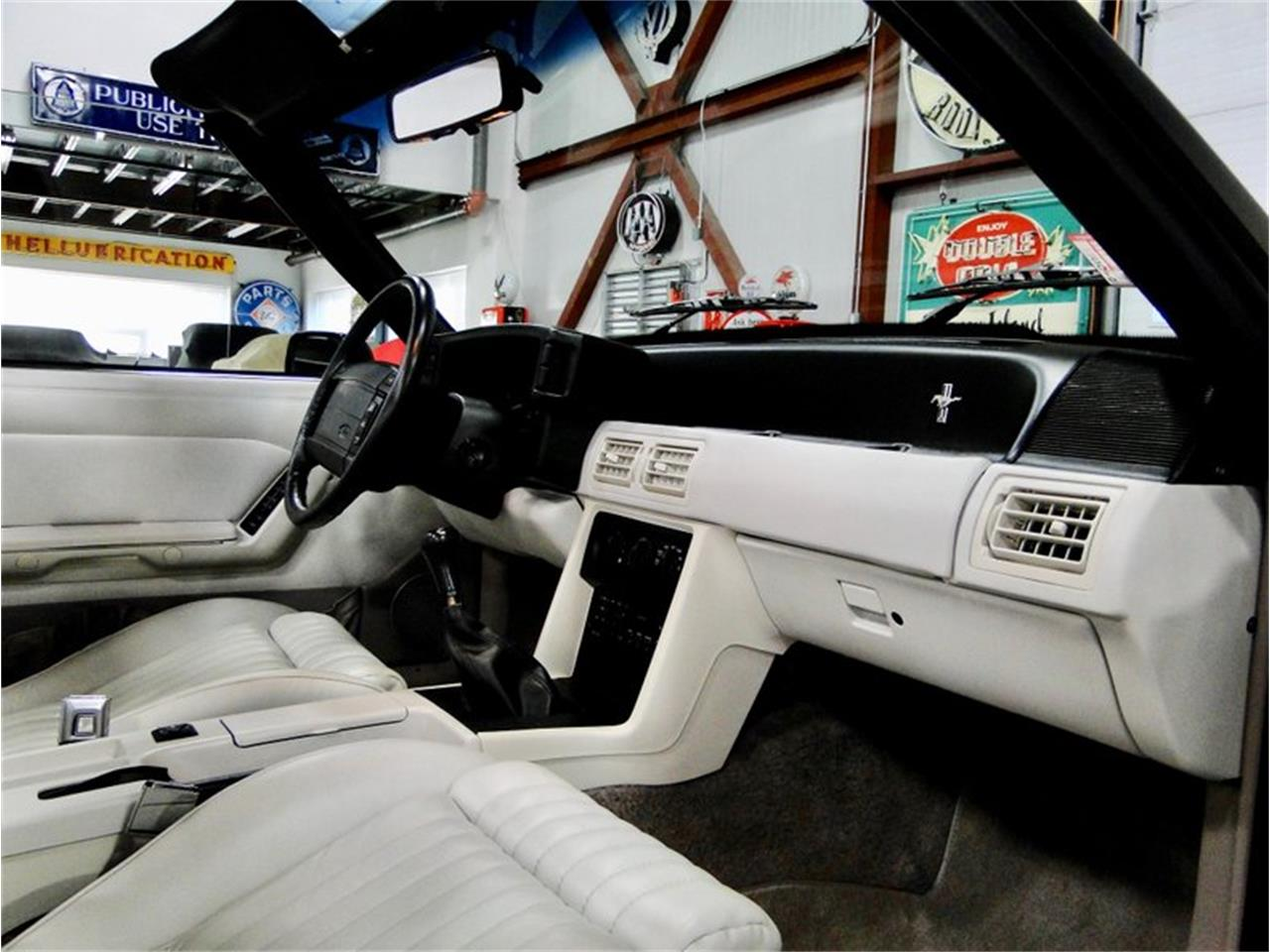 Large Picture of 1990 Ford Mustang - P4FP