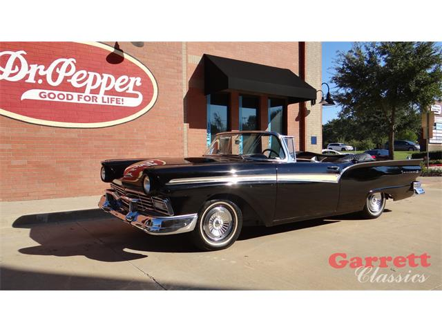 Picture of Classic 1957 Ford Fairlane 500 located in Lewisville Texas - P4H1