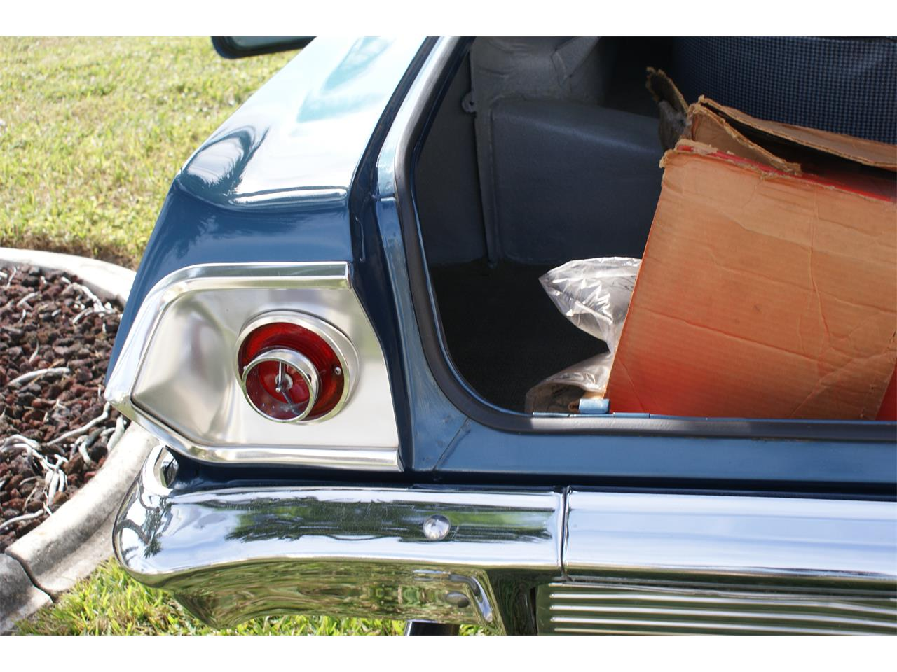Large Picture of Classic 1963 Chevrolet Impala located in Florida - P4QR