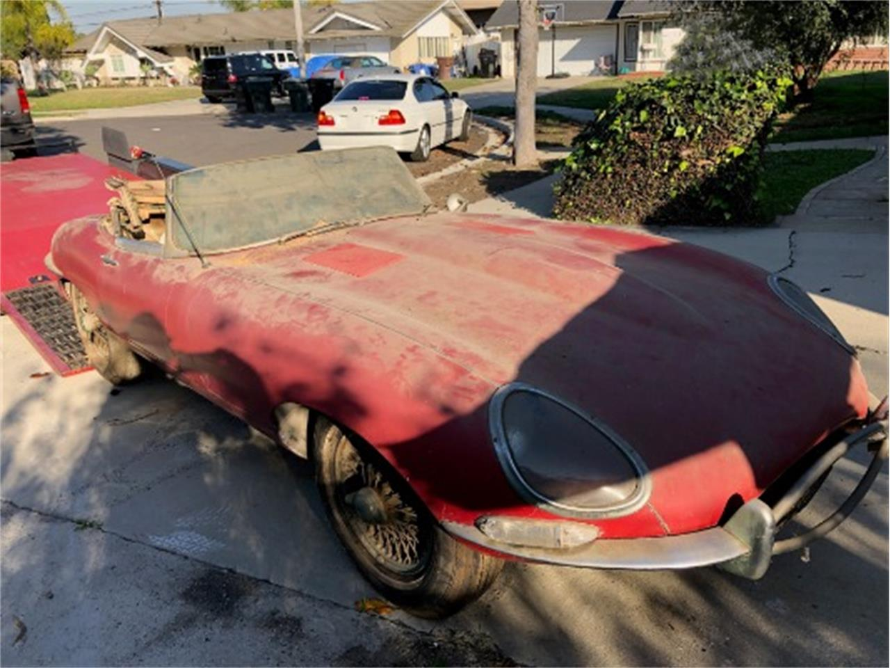 Large Picture of 1961 Jaguar XKE Offered by Beverly Hills Car Club - P4RS