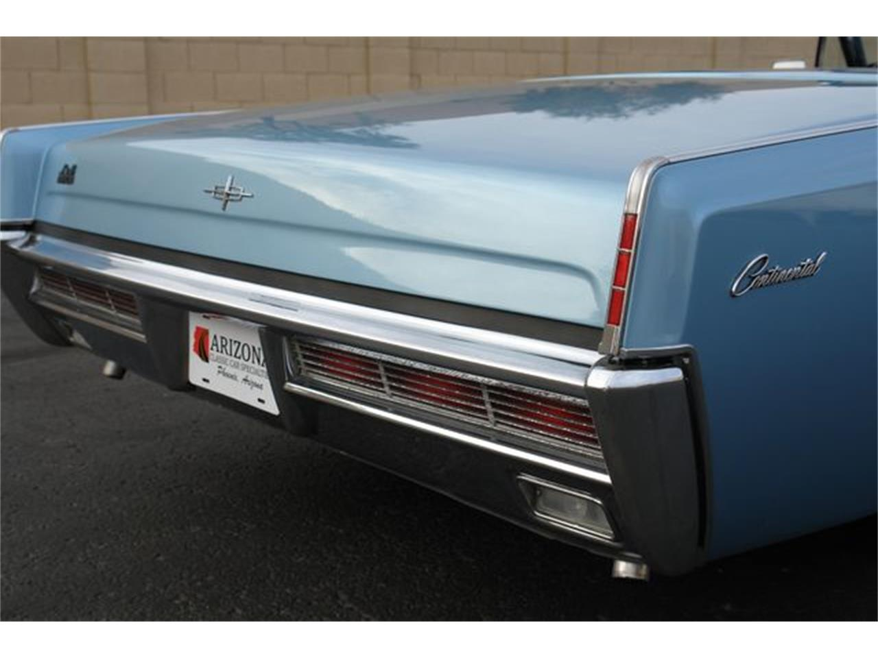 Large Picture of Classic 1966 Lincoln Continental located in Phoenix Arizona - P5NW