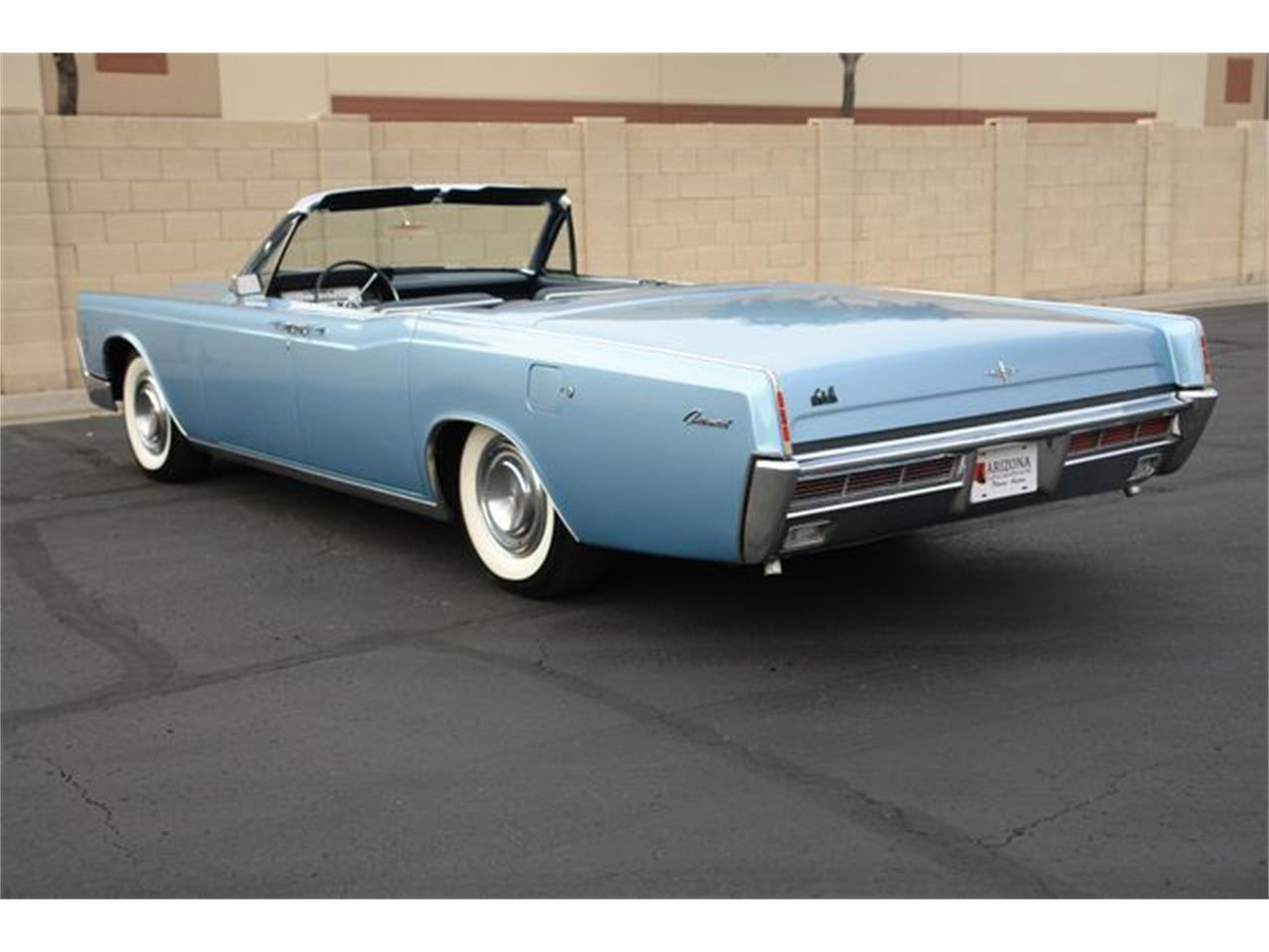 Large Picture of Classic 1966 Lincoln Continental - $59,950.00 - P5NW