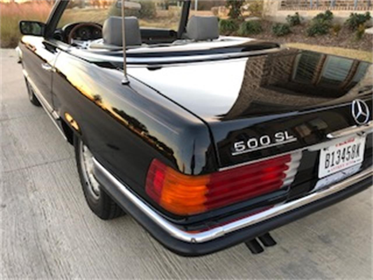Large Picture of '85 Mercedes-Benz 500SL - $25,550.00 Offered by a Private Seller - P661