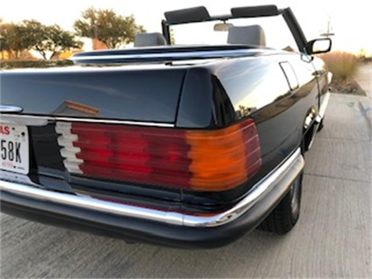 Large Picture of 1985 Mercedes-Benz 500SL located in Texas - $25,550.00 - P661