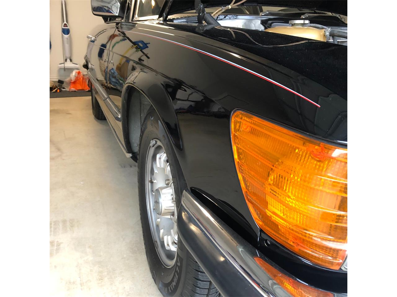 Large Picture of '85 Mercedes-Benz 500SL located in Richardson Texas Offered by a Private Seller - P661