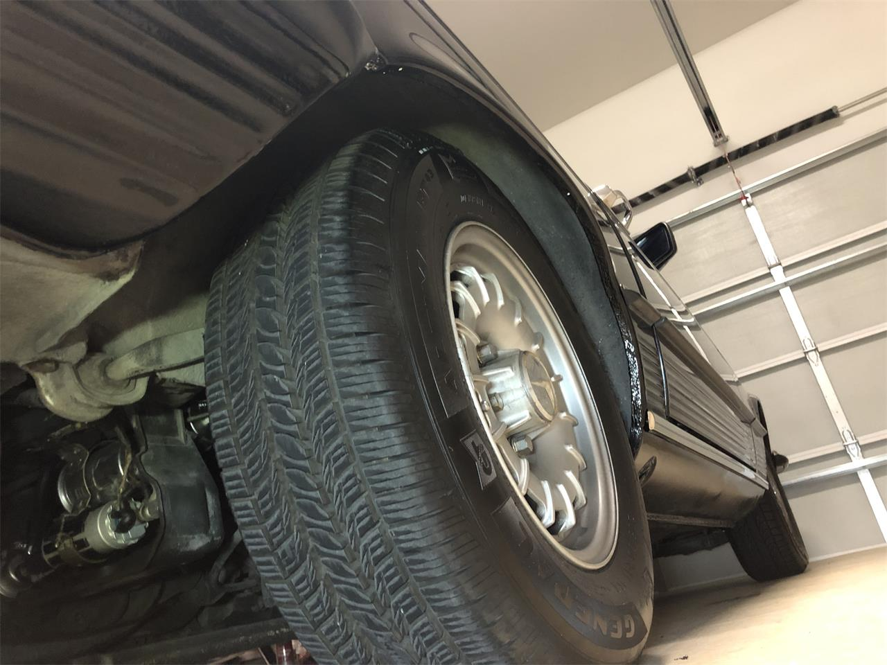 Large Picture of 1985 Mercedes-Benz 500SL located in Richardson Texas - $25,550.00 Offered by a Private Seller - P661