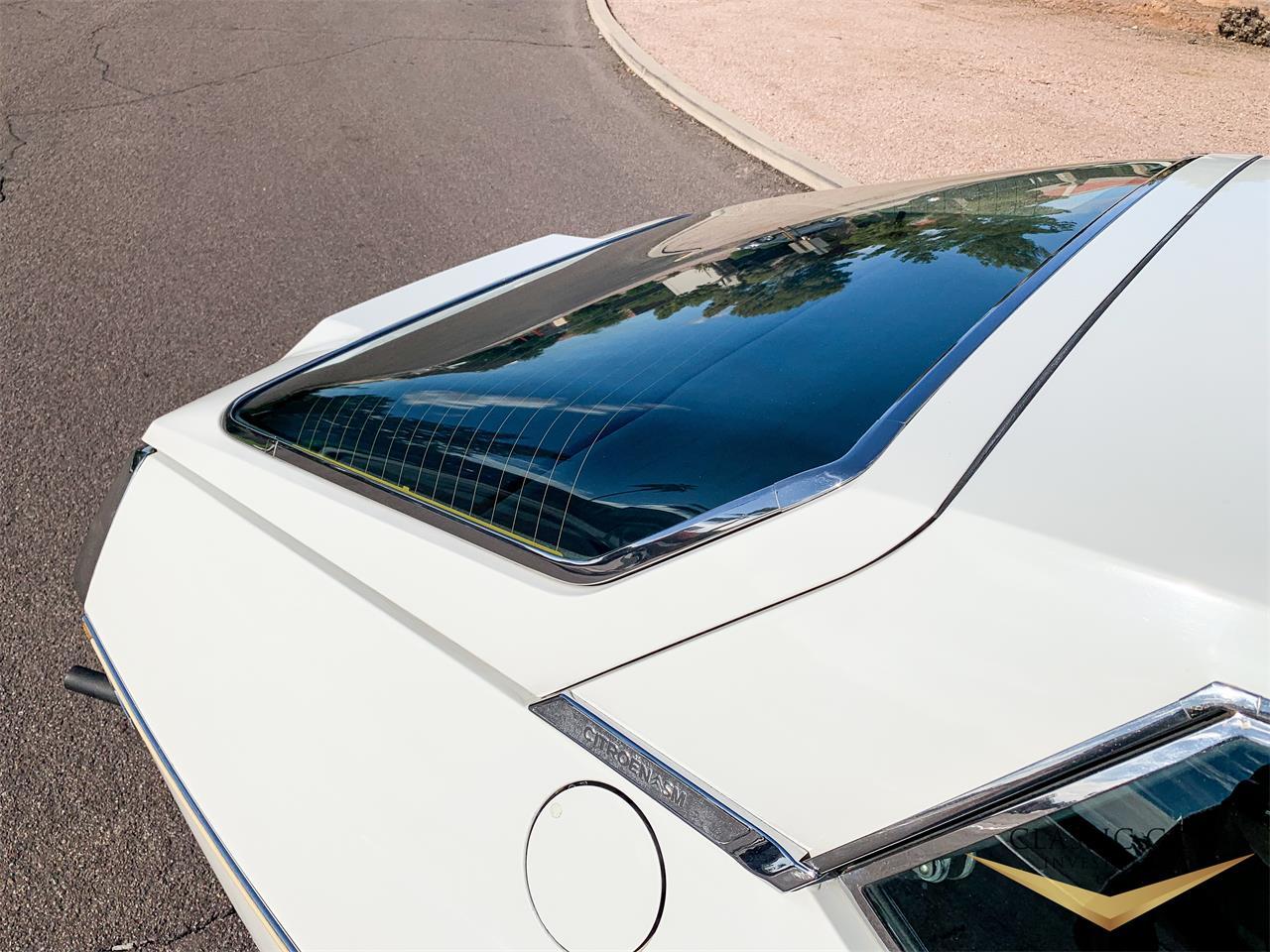 Large Picture of Classic 1972 Citroen SM - P667