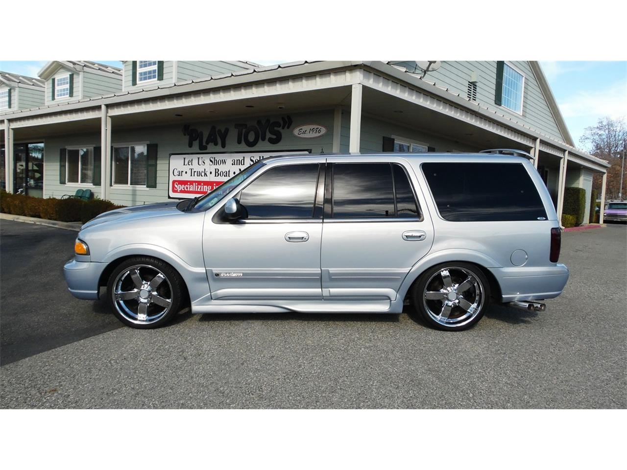 Large Picture of '98 Navigator - P6EW