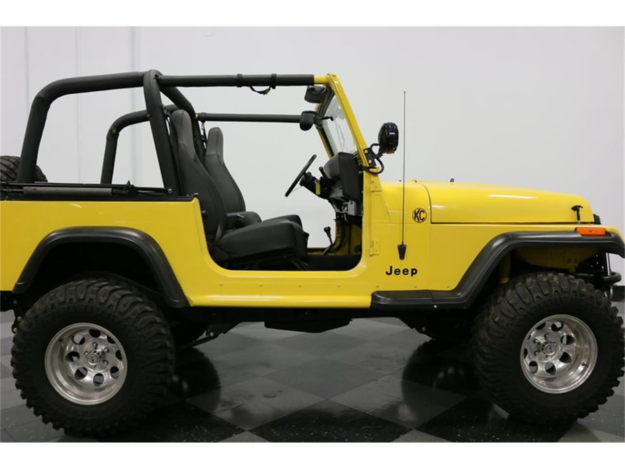 Large Picture of '93 Jeep Wrangler located in Texas - $21,995.00 - P701