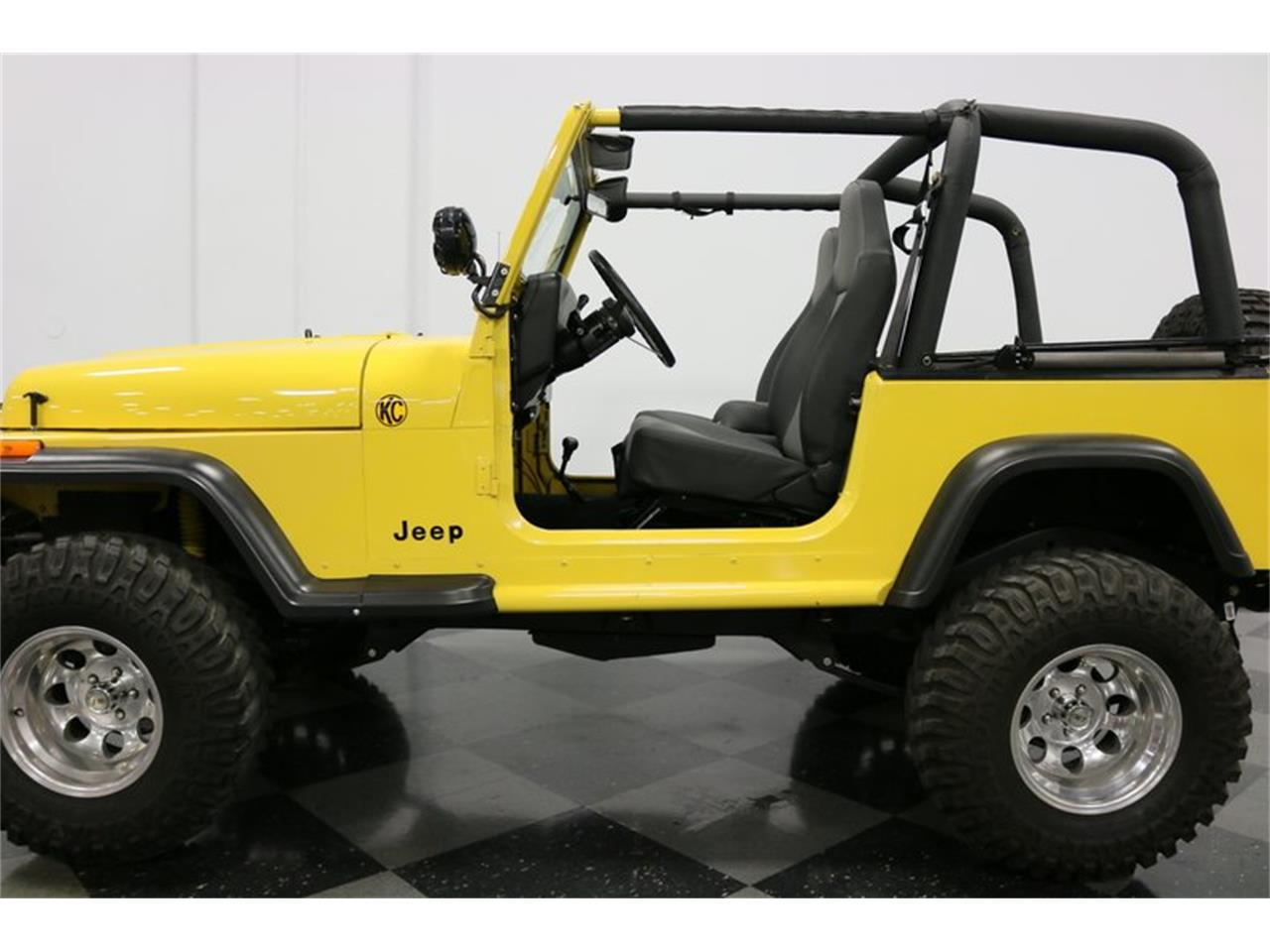 Large Picture of 1993 Jeep Wrangler located in Texas Offered by Streetside Classics - Dallas / Fort Worth - P701