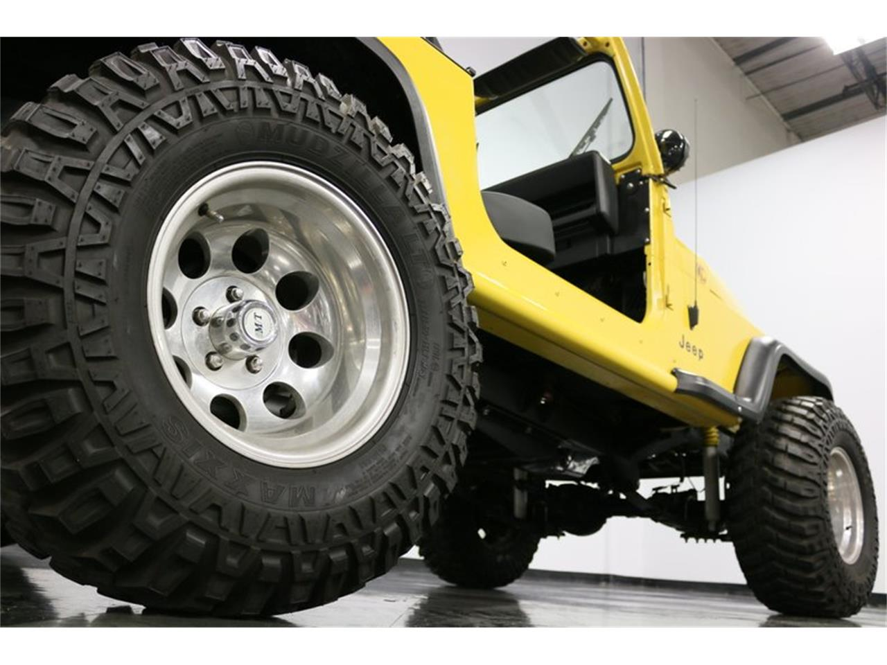 Large Picture of 1993 Jeep Wrangler - $21,995.00 - P701