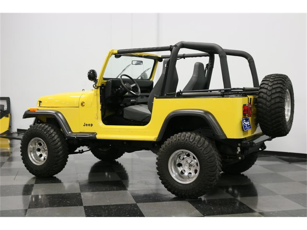 Large Picture of '93 Wrangler located in Texas - $25,995.00 Offered by Streetside Classics - Dallas / Fort Worth - P701