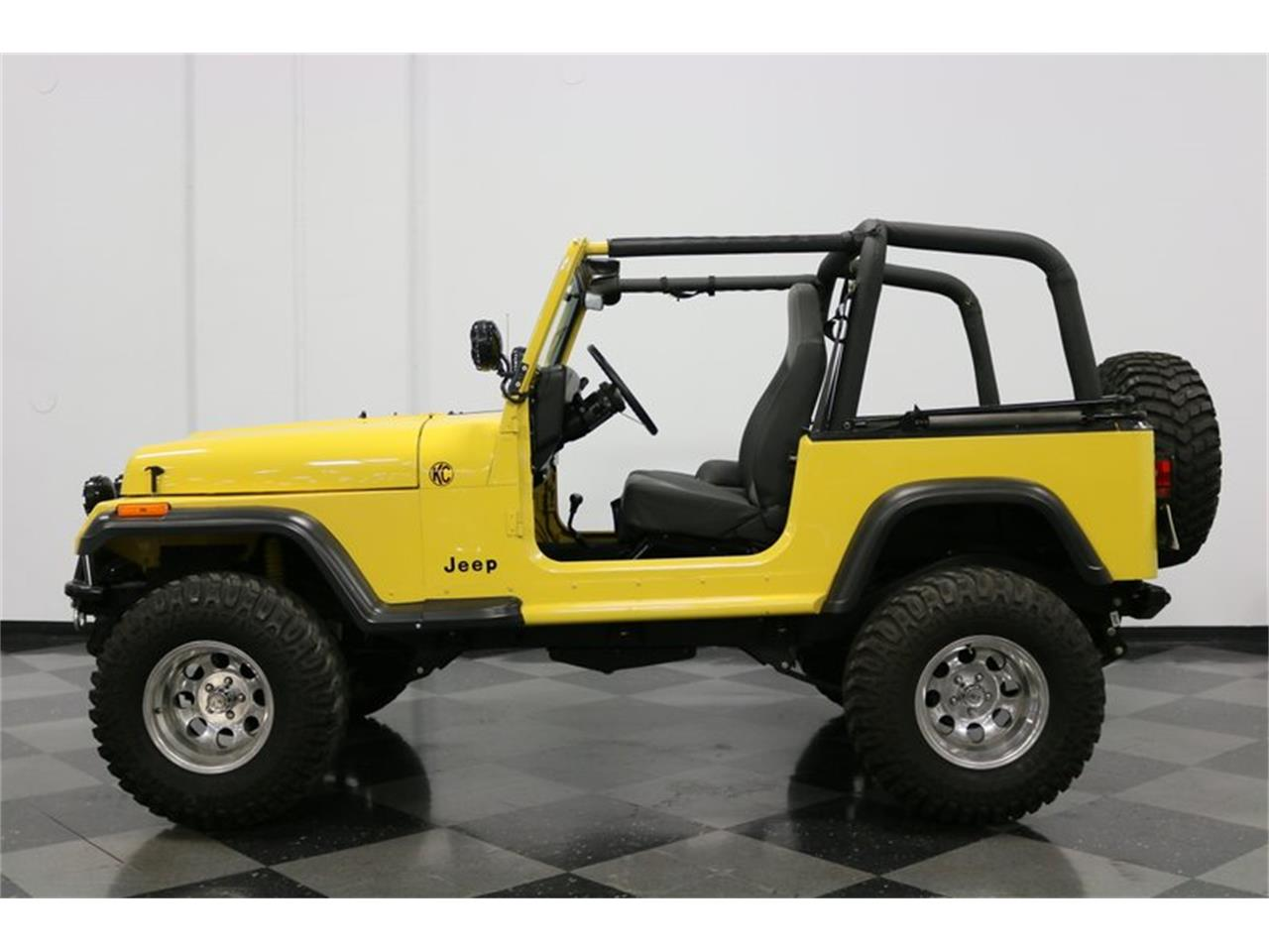 Large Picture of 1993 Jeep Wrangler located in Texas - $21,995.00 Offered by Streetside Classics - Dallas / Fort Worth - P701