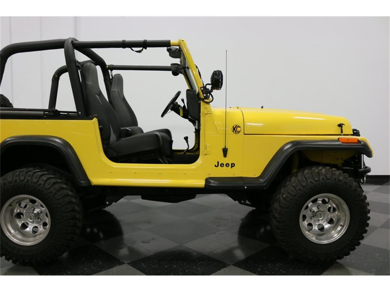 Large Picture of '93 Wrangler located in Ft Worth Texas - $21,995.00 Offered by Streetside Classics - Dallas / Fort Worth - P701