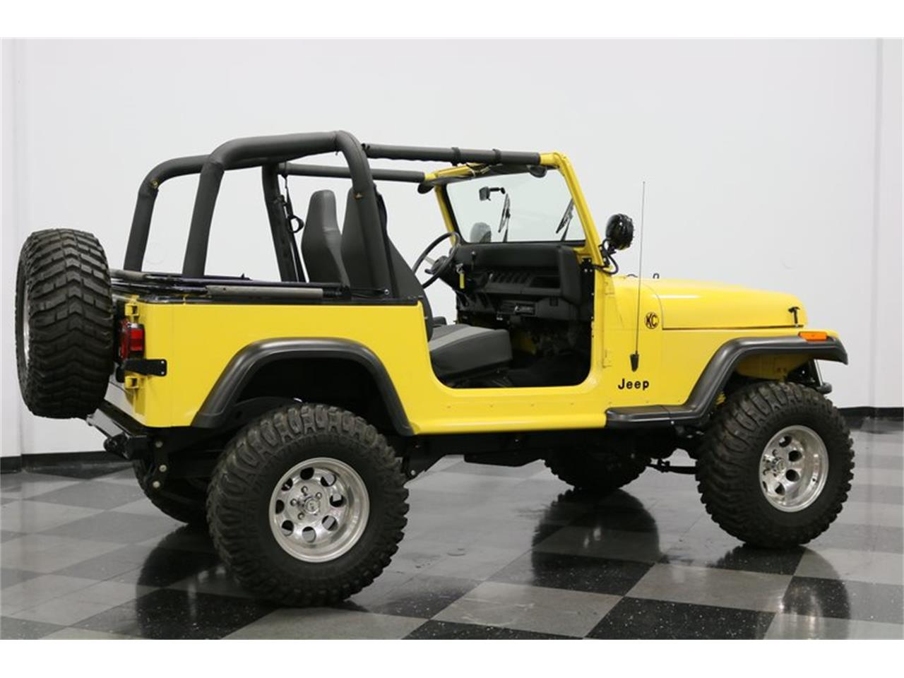 Large Picture of '93 Jeep Wrangler located in Ft Worth Texas - $25,995.00 Offered by Streetside Classics - Dallas / Fort Worth - P701