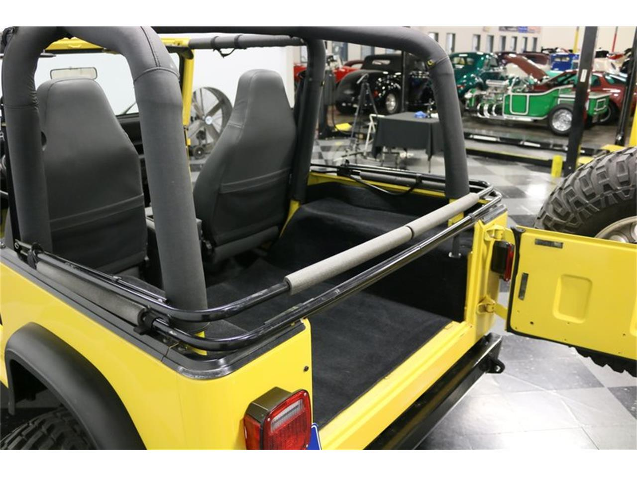 Large Picture of 1993 Wrangler located in Texas Offered by Streetside Classics - Dallas / Fort Worth - P701