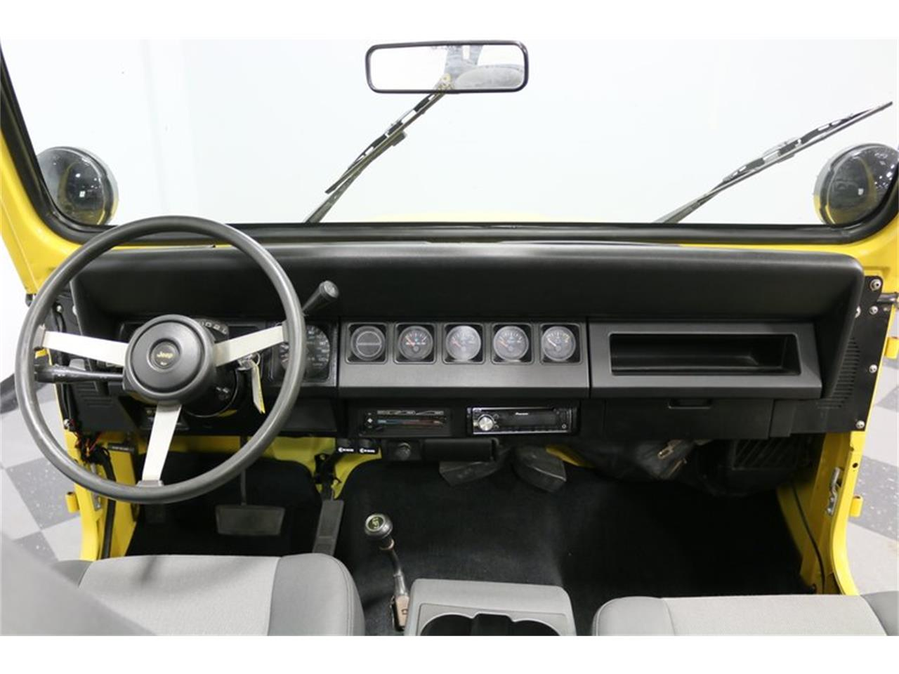 Large Picture of '93 Wrangler Offered by Streetside Classics - Dallas / Fort Worth - P701