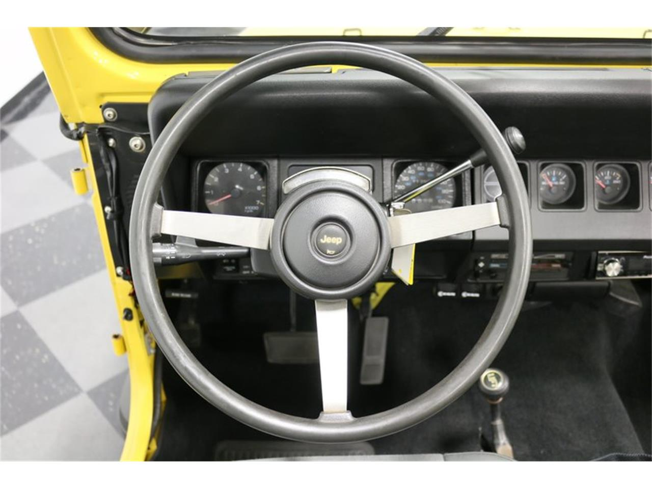 Large Picture of 1993 Jeep Wrangler - P701