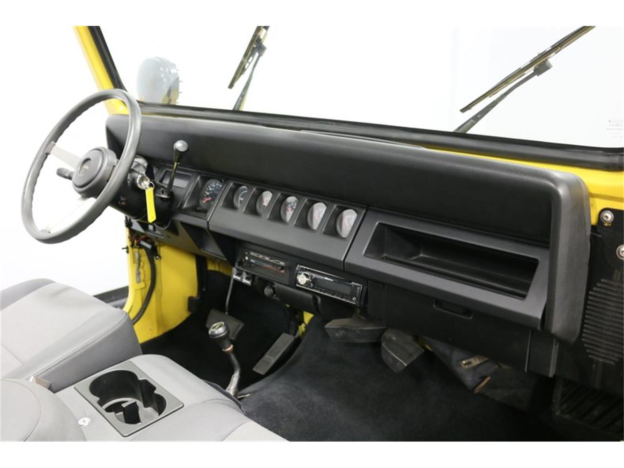 Large Picture of '93 Jeep Wrangler - P701