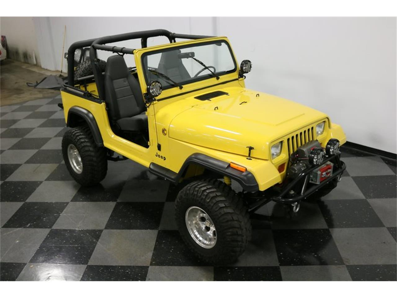 Large Picture of '93 Jeep Wrangler located in Ft Worth Texas Offered by Streetside Classics - Dallas / Fort Worth - P701
