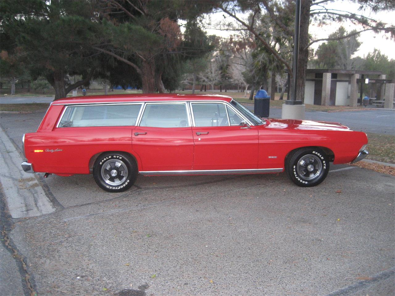Large Picture of '68 Country Sedan - P7V6