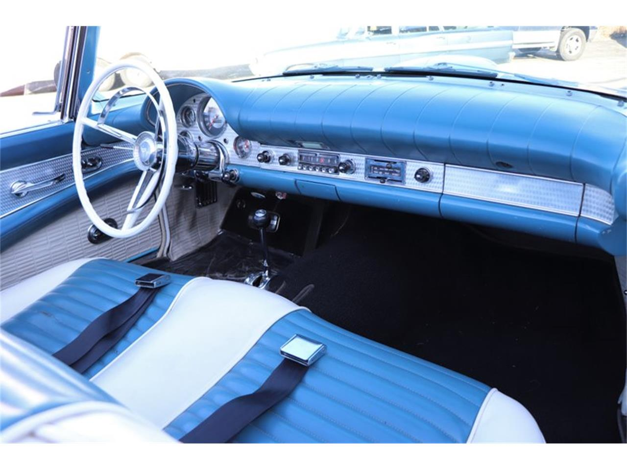 Large Picture of '57 Thunderbird - P8GZ