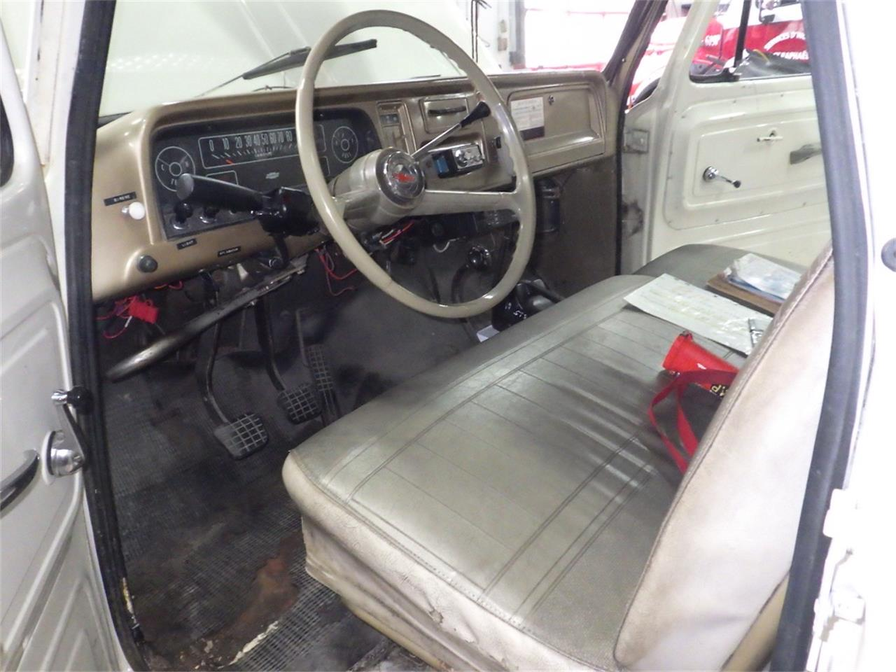 Large Picture of Classic '65 Chevrolet Suburban - $25,000.00 - P8KZ